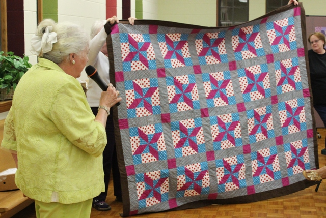 Show and tell april 2016 star quilters guild for 10 minute table runner 30 minute tote bag